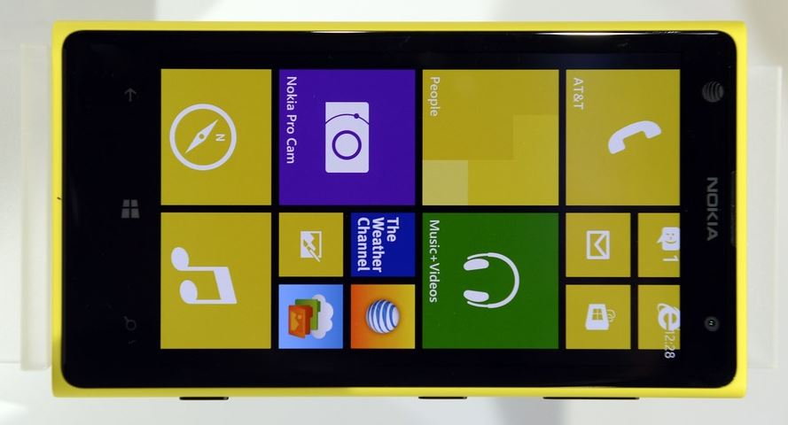 Windows Phone 8 update rolling out with return of Gmail ...