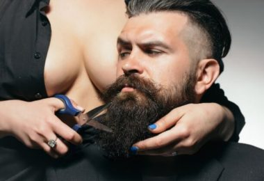 Top Benefits Of Comb Your Beard