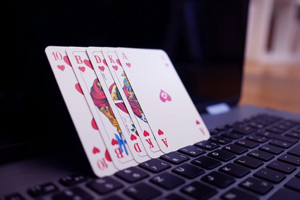 Present and Future of Online Casinos
