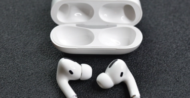 Apple AirPods Pros and Cons